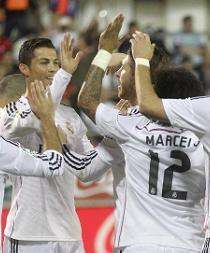 El Real Madrid golea 4-0 y se consolida como líder
