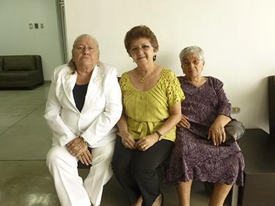 Proclaman a reinas de los adultos mayores