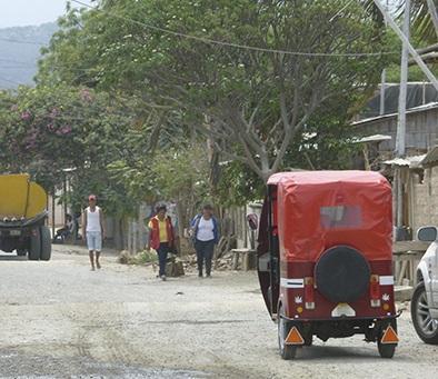 Falta de agua potable e inseguridad afecta a los vecinos de Los Arenales