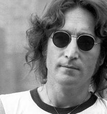 Venden piezas de una de las guitarras de John Lennon por más de $33 mil