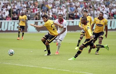 Barcelona y Liga de Quito empatan 0-0 en Casa Blanca
