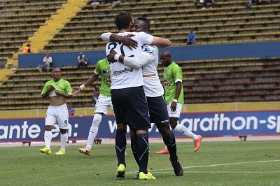 El Manta FC pierde 2-1 ante la U. Católica en el Atahualpa
