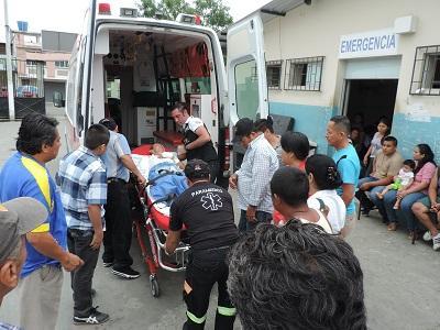 Accidente deja heridos a nueve integrantes de una misma familia