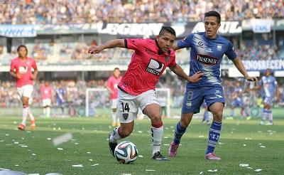 Emelec vence 1-0 a Independiente con gol de último minuto