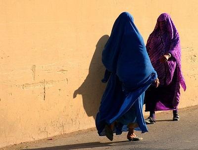 Mujer perdona a su agresor tras ser violada, casada y desfigurada