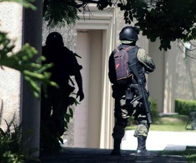 Exalcalde se enfrenta a tiros con la Policía
