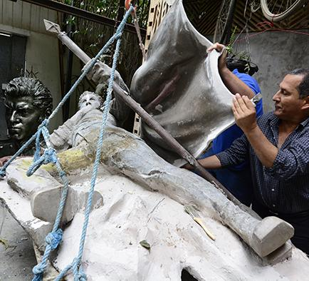 Ivo Uquillas hará en 460  días escultura de Alfaro