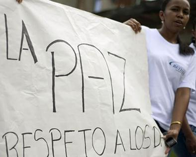 Las FARC dice que no dejará mesa de paz