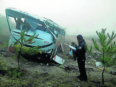 Ocho muertos en accidente de bus