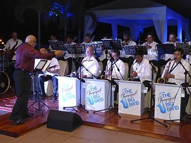 The Guayaquil Big Band se presenta con salseros