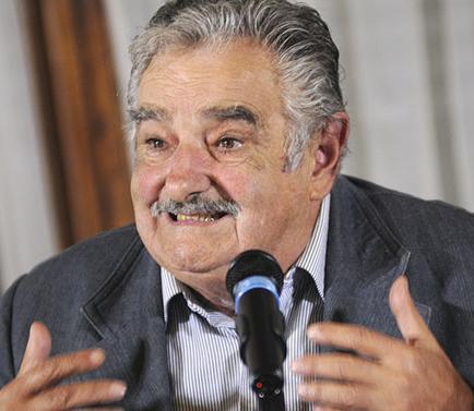 Mujica abrirá escuela agraria tras dejar cargo