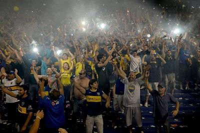 Gobierno argentino señala responsabilidad de clubes por violencia en fútbol