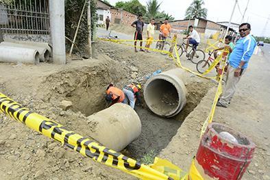 Vía a Pichincha tiene el 50 por ciento de avance