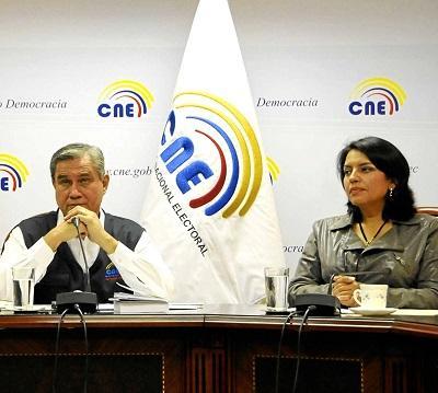Domingo Paredes y Roxana Silva dejarán el CNE