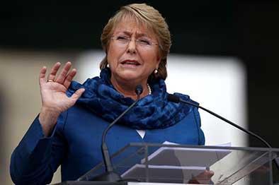 Bachelet defiende sus reformas