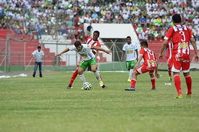 Gómez y Vélez suman 6.835 minutos con Liga de Portoviejo