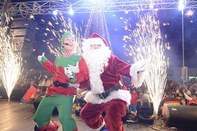 Se iluminó el Árbol de Navidad de Ediasa