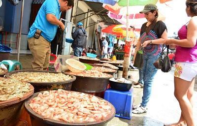 Venta escasa de camarón pese a bajos precios en Santo Domingo