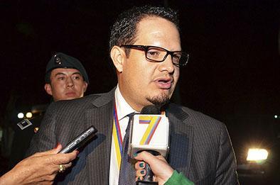 Ecuatorianos exigen un CNE sin correas y sin paredes, dice Rosero