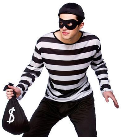 Hace cola para robar un banco