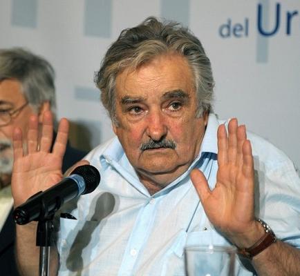 Mujica: 'No sirvo como jubilado tirado en un rincón acariciando recuerdos'