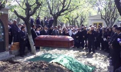 Dan el último adiós a Chespirito en el panteón Francés de la Piedad
