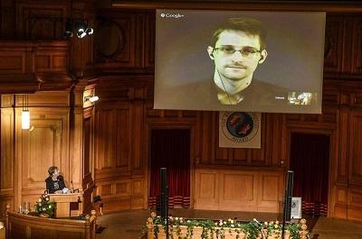 Snowden recibe el Nobel Alternativo y defiende a la sociedad 'liberal'