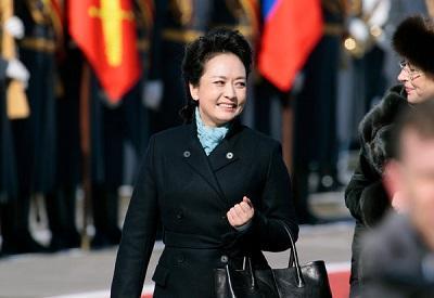 La primera dama china vuelve a cantar para apoyar a los niños con VIH