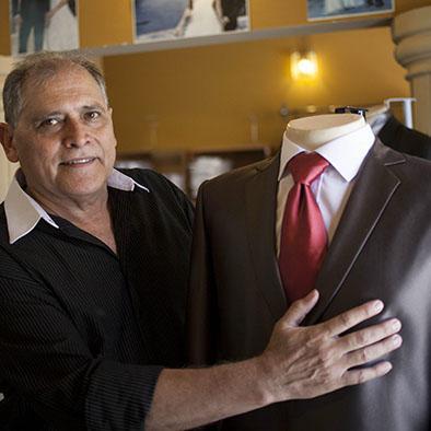 Crean trajes sin bolsillo