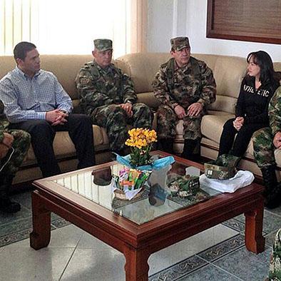 FARC libera a secuestrados
