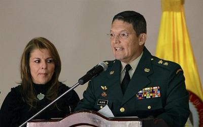 General Alzate pide la baja del Ejército tras ser liberado por las FARC