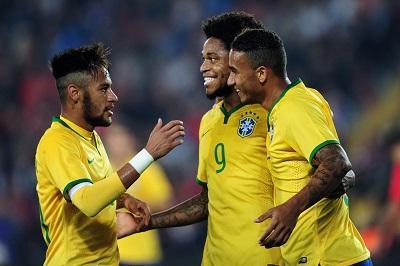 Brasil se medirá con Francia en su primer amistoso de 2015