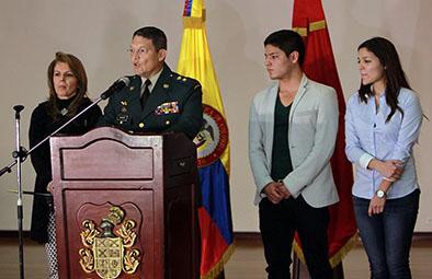 General que fue secuestrado pide baja del ejército
