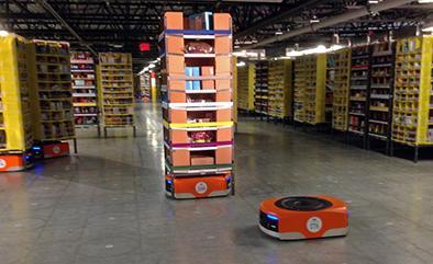 Más de 15 mil robots trabajan en amazon