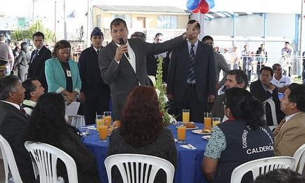Presidente Correa tilda de 'poco coherente' la propuesta del alcalde de Quito