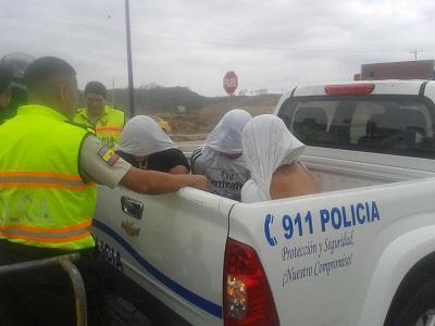 Tres personas son detenidas por presunto robo a un domicilio