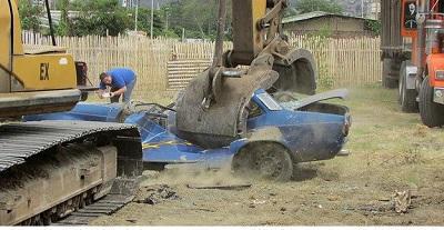 Motos y carros terminarán hechos chatarra