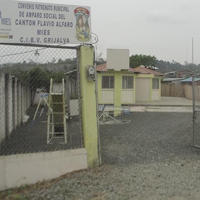 Mejoran acceso principal al Centro infantil Grijalva