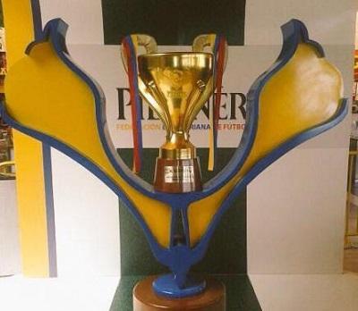 La FEF presentó el trofeo que recibirá en campeón 2014
