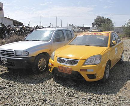 Retienen un taxi para investigar posibles robos