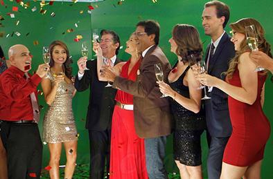Talentos de TC Mi Canal en una grabación navideña