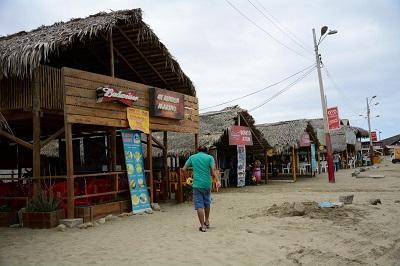 El cemento le restaría atractivo a la playa de Tarqui