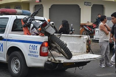 Policía habría atropellado a un hombre en Santo Domingo de los Tsáchilas