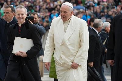 Papa pide que no se olvide el sufrimiento de víctimas de la trata de personas
