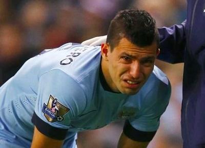 El 'Kun' Agüero sale lesionado a los seis minutos del partido ante el Everton