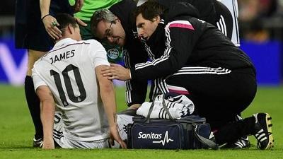 James Rodríguez deja la cancha por una lesión muscular
