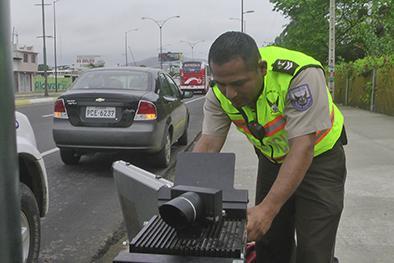 30 multados en una hora por exceso de velocidad