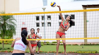 La manabita Valentina Centeno competirá en torneos de voleibol playa