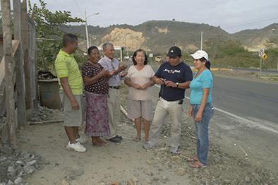 Familias reclaman el servicio de agua