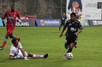 El Nacional vence 1-0 a Independiente en el estadio Rumiñahui (VIDEOS)